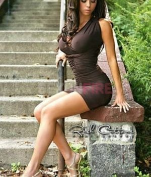 לורן-יפיפייה בלונדינית מחכה בחיפה
