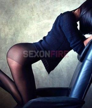 אנה בת 22 סקסית וחושנית בחיפה