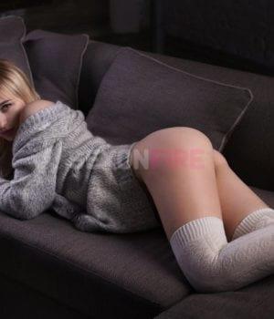 אלינה-סקסית ושופעות בקריות