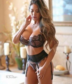 הכי סקסית בחיפה מחכה לך